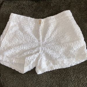 Zara White Embroidered Floral Shorts (Small)